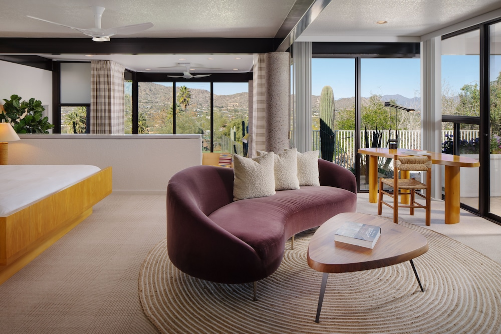 Living Area, Sanctuary on Camelback Mountain Resort and Spa