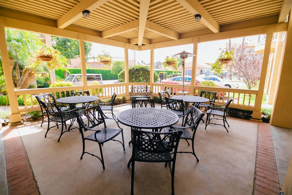 Terrace/Patio, Fairfield Inn by Marriott Anaheim Hills Orange County
