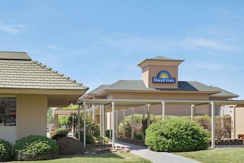 Days Inn Charlotte/Woodlawn Near Carowinds