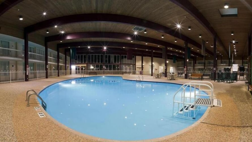 Indoor Pool, Holiday Inn Spearfish - Convention Center, an IHG Hotel