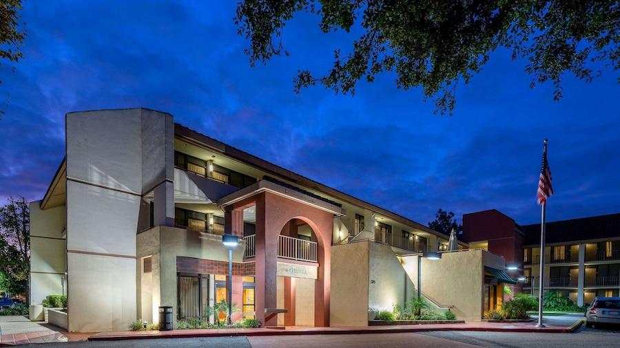La Quinta Inn & Suites by Wyndham Thousand Oaks-Newbury Park