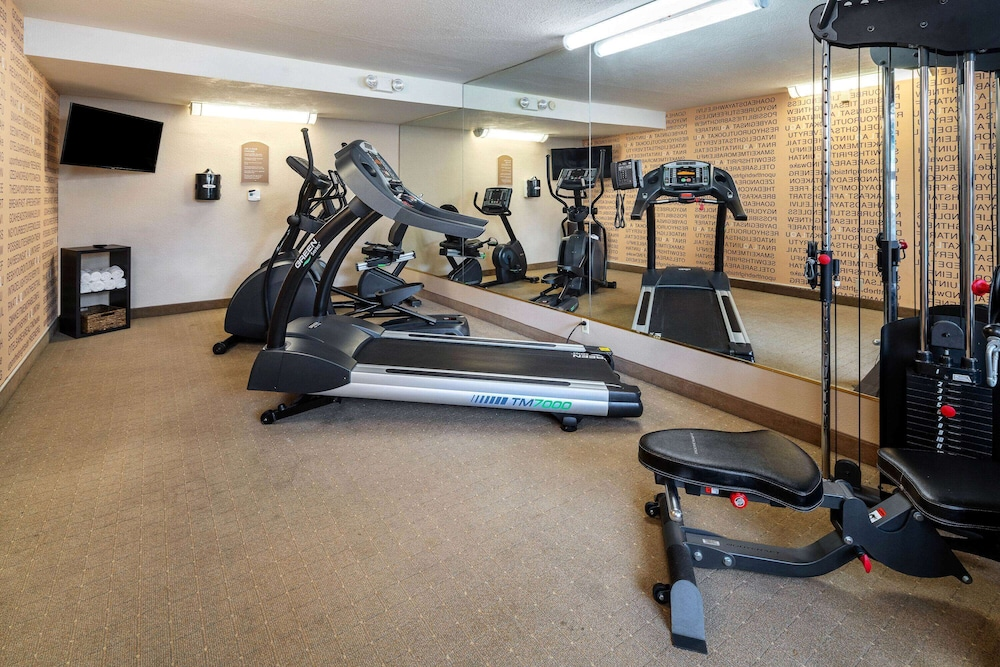 Fitness Facility, La Quinta Inn & Suites by Wyndham Thousand Oaks-Newbury Park