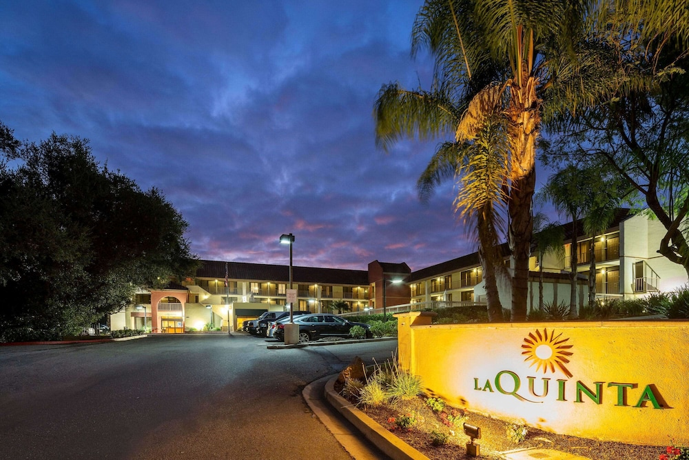 Exterior, La Quinta Inn & Suites by Wyndham Thousand Oaks-Newbury Park