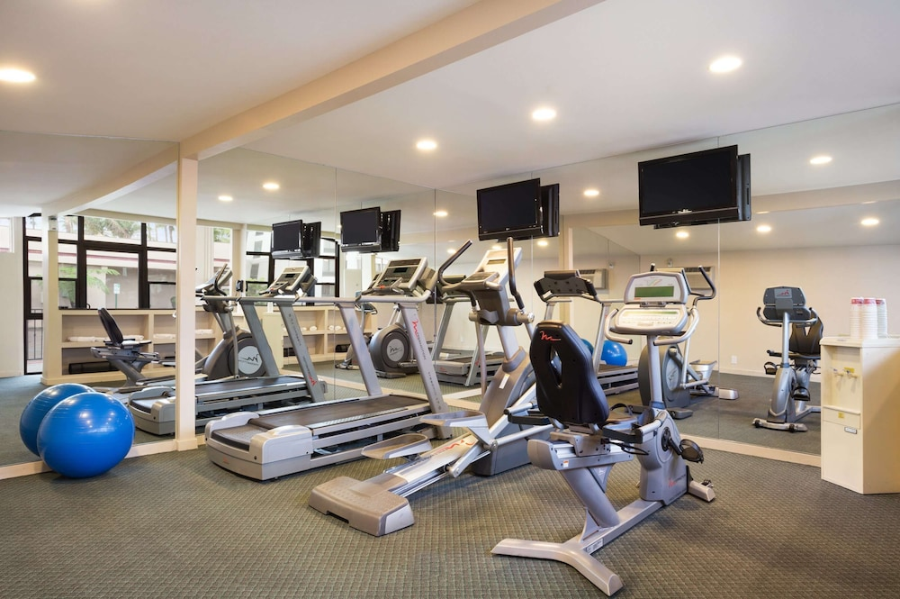 Fitness Facility, Ramada by Wyndham San Diego North Hotel & Conference Center