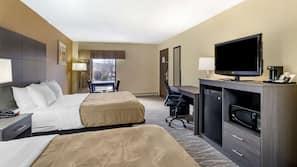 Premium bedding, in-room safe, laptop workspace, iron/ironing board