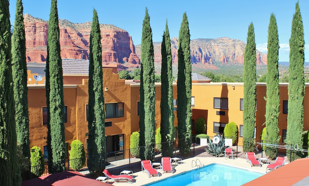 holiday inn express sedona 2019 room prices 126 deals. Black Bedroom Furniture Sets. Home Design Ideas