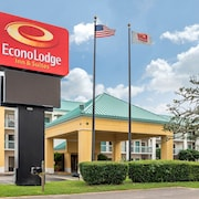 Econo Lodge Inn & Suites Foley