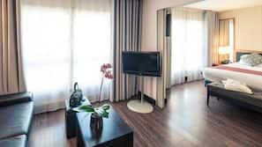 Premium bedding, minibar, desk, blackout curtains