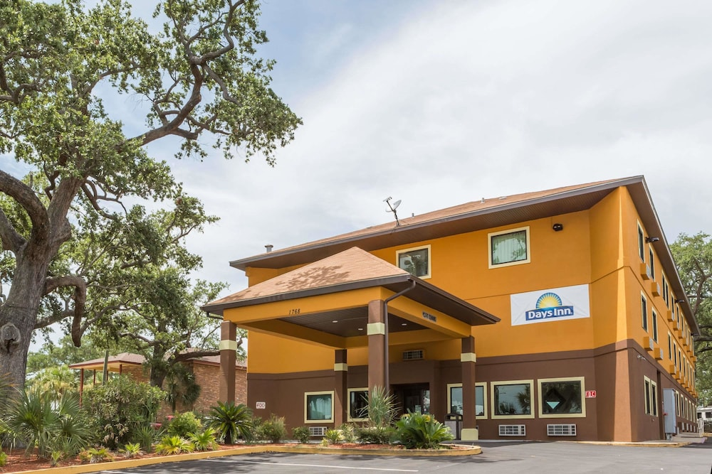 Featured Image, Days Inn by Wyndham Biloxi Beach