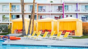 Outdoor pool, pool cabanas (surcharge), pool umbrellas