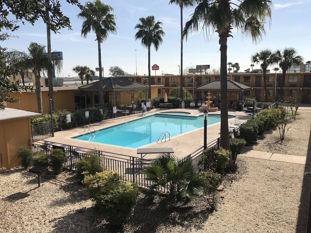 Featured Image, Americas Best Value Inn Laredo