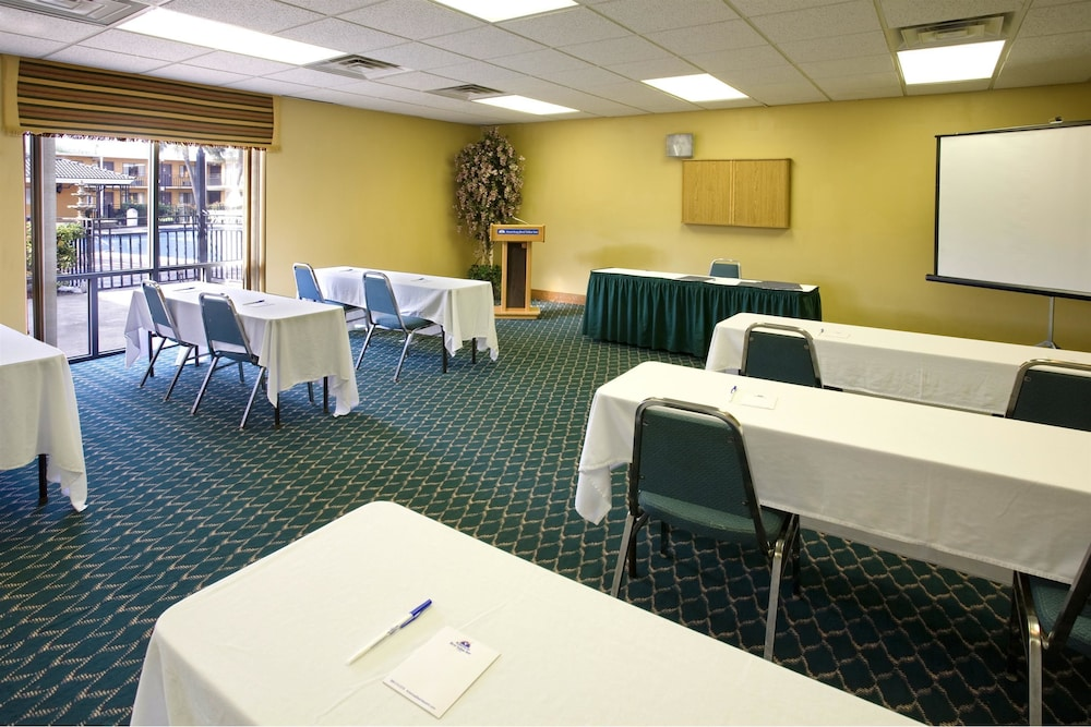 Meeting Facility, Americas Best Value Inn Laredo
