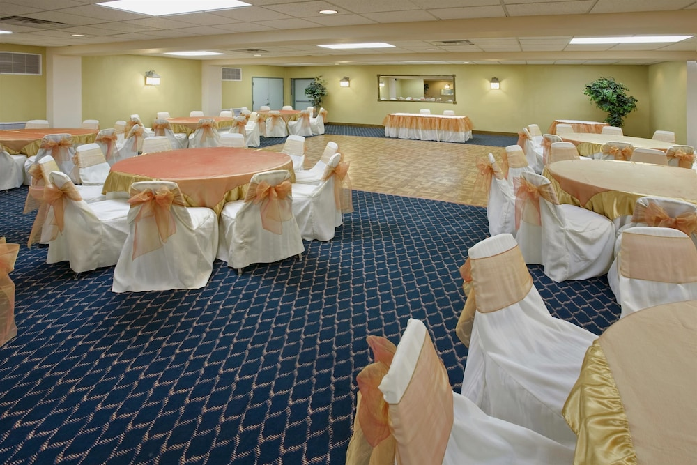 Ballroom, Americas Best Value Inn Laredo
