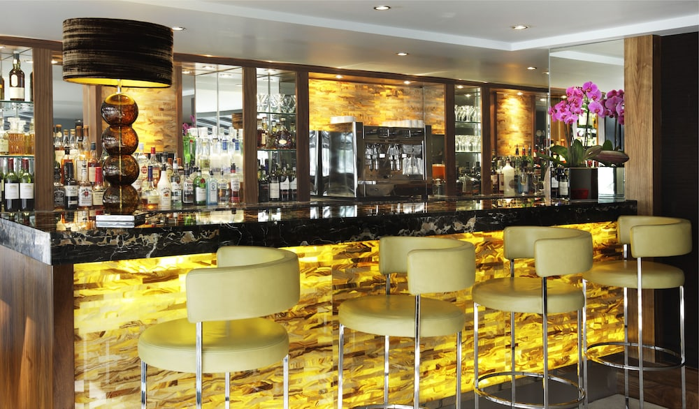 Lounge, The Bristol Hotel