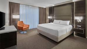 Premium bedding, pillow top beds, in-room safe, desk