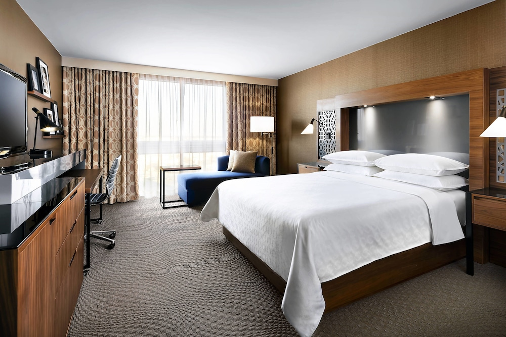 Room, Sheraton Toronto Airport Hotel & Conference Centre