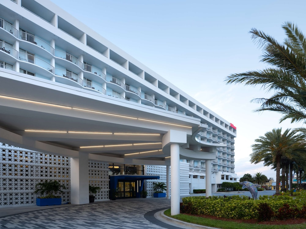 Exterior, Hilton Clearwater Beach Resort & Spa