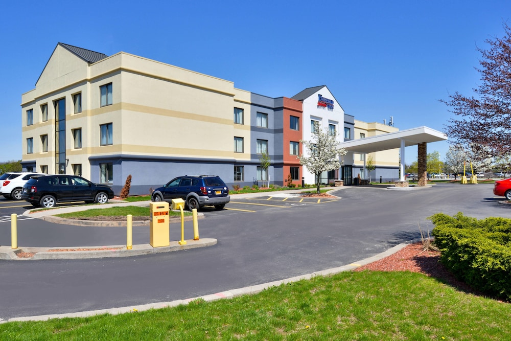 Exterior, Fairfield Inn Marriott Rochester Airport