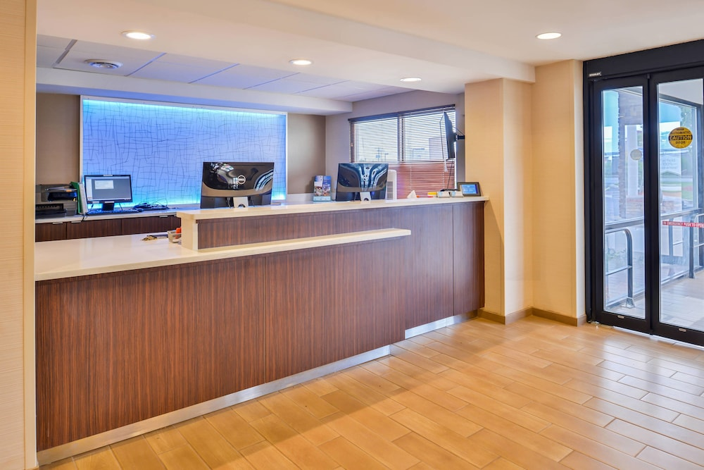 Lobby, Fairfield Inn Marriott Rochester Airport