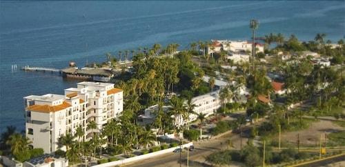 La Concha Beach Resort In Paz