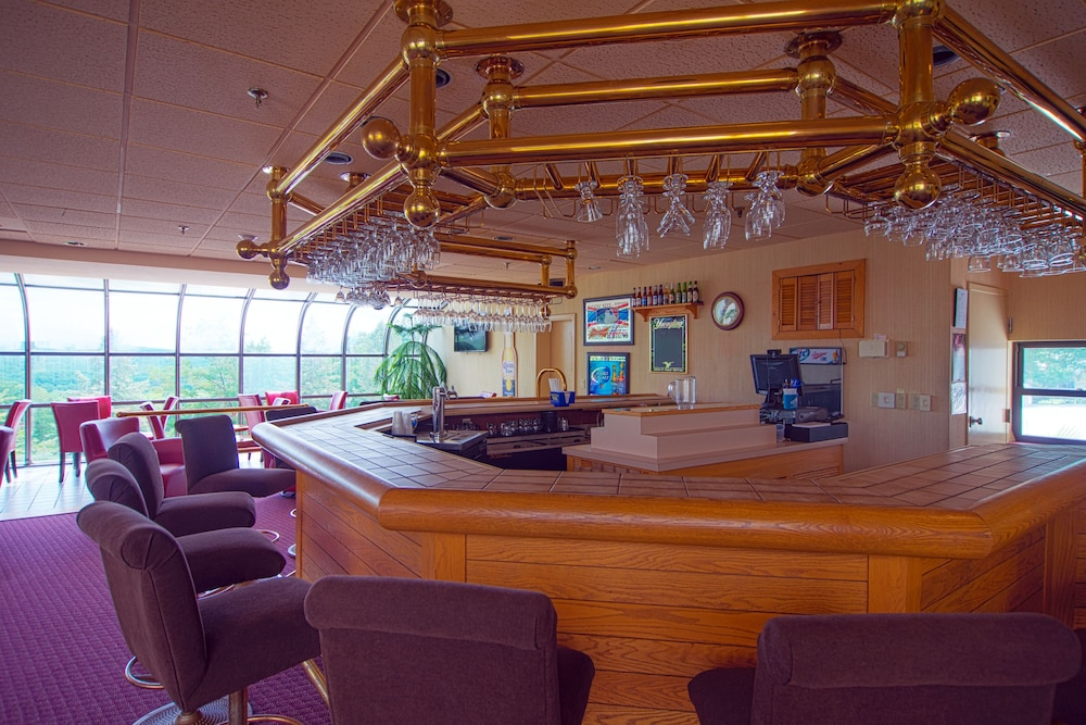 Bar, Split Rock Resort