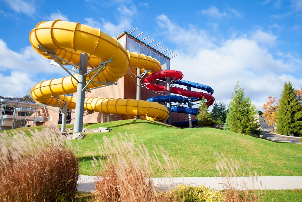 Water Park, Split Rock Resort