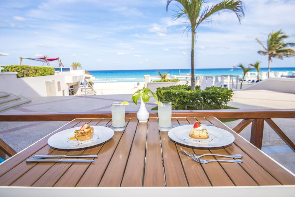 Dining, Panama Jack Resorts Cancun All Inclusive