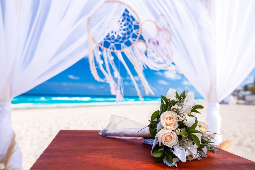 Outdoor Wedding Area, Panama Jack Resorts Cancun All Inclusive