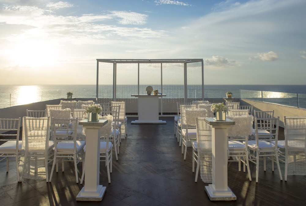 Outdoor Wedding Area, Cozumel Palace All Inclusive