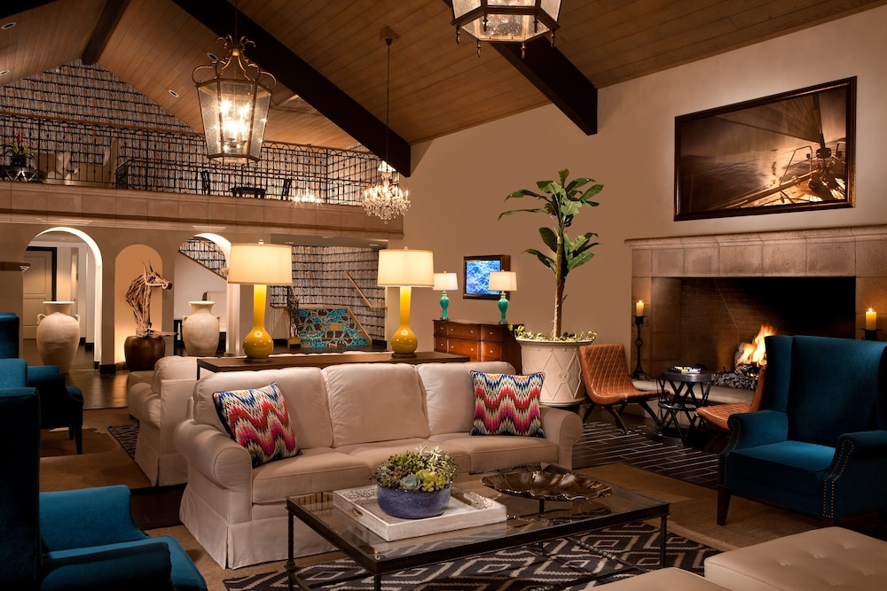Lobby Sitting Area, Kona Kai Resort & Spa, A Noble House Resort