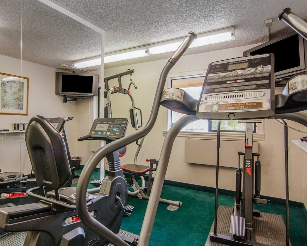 Fitness Facility, Quality Inn and Suites Airport