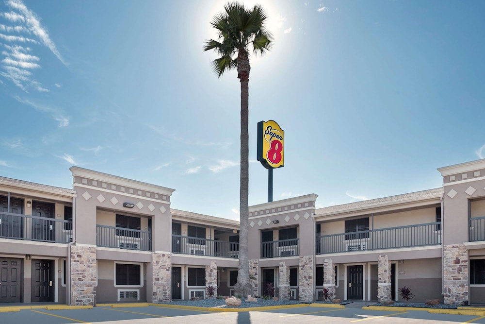 Front of Property, Super 8 by Wyndham McAllen/Downtown/La Plaza Mall
