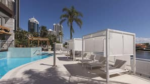 Outdoor pool, free cabanas, pool umbrellas