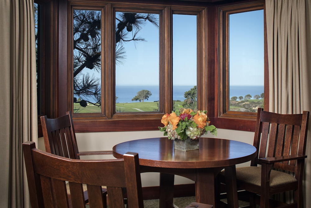 In-Room Dining, The Lodge at Torrey Pines