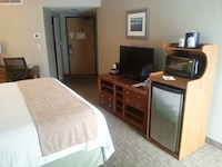 Standard Room, 1 Queen Bed, Refrigerator & Microwave, City View