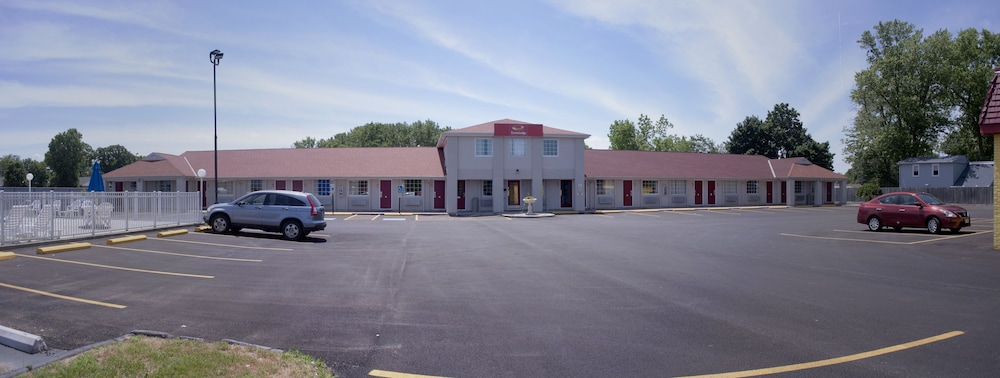 Front of Property, Econo Lodge Inn & Suites South