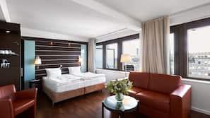 1 soveværelse, allergivenligt sengetøj, dundyner, pengeskab