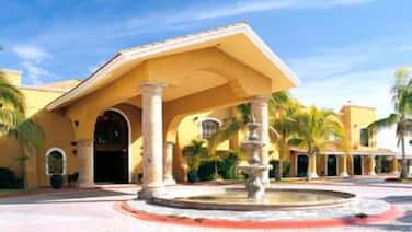 Grand Plaza La Paz Hotel And Suites