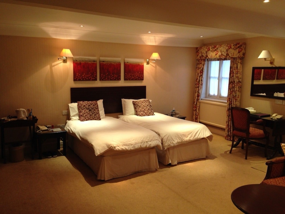 Stratton house hotel deals reviews cirencester gbr for Stratton house