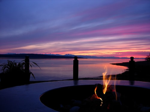 Great Place to stay Beach Gardens Resort and Marina near Powell River