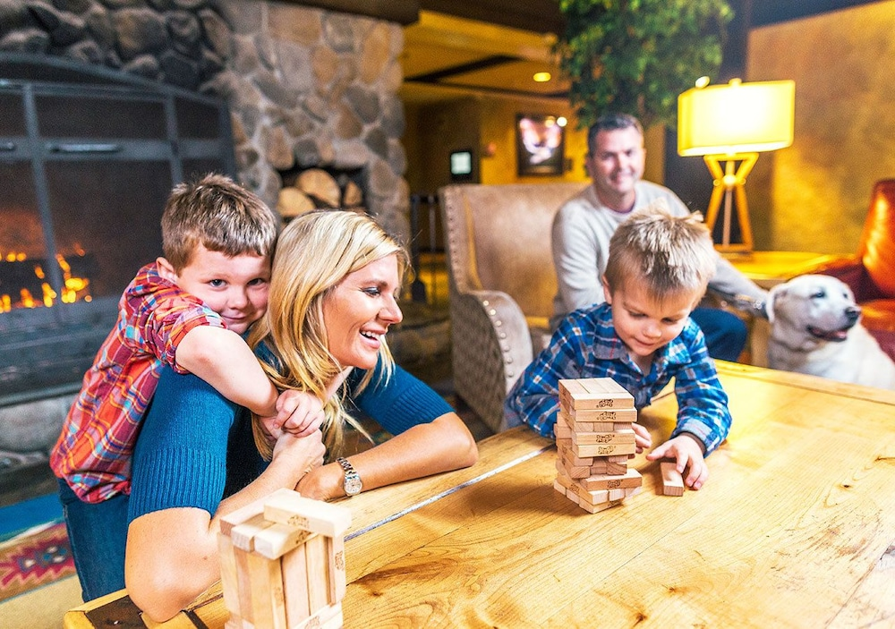 Children's Activities, Tenaya Lodge at Yosemite
