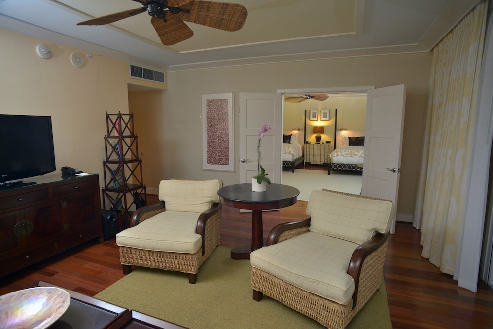 Living Area, The Kahala Hotel & Resort