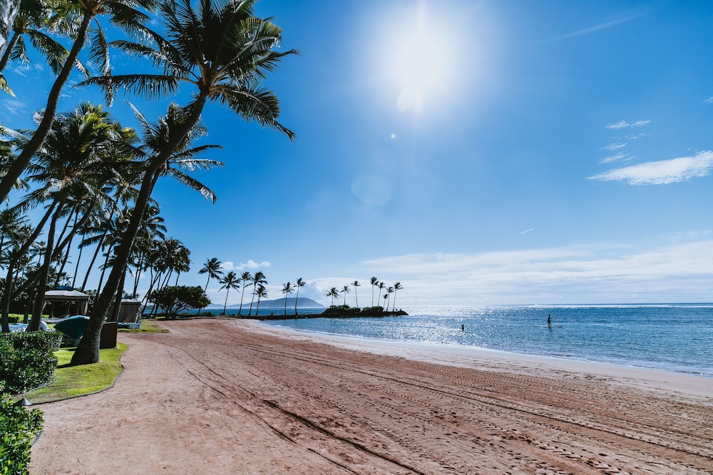 Beach, The Kahala Hotel & Resort