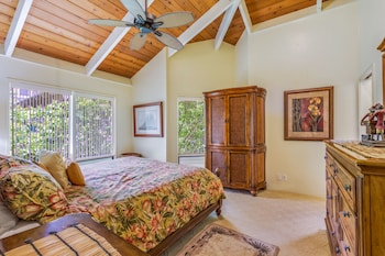 Standard Room, 2 Bedrooms, Oceanfront (with Loft) - Guestroom