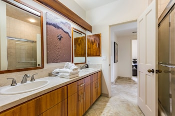 Standard Room, 2 Bedrooms, Oceanfront - Bathroom Sink