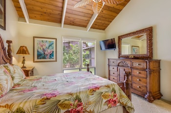 Standard Room, 2 Bedrooms, Partial Ocean View - Guestroom