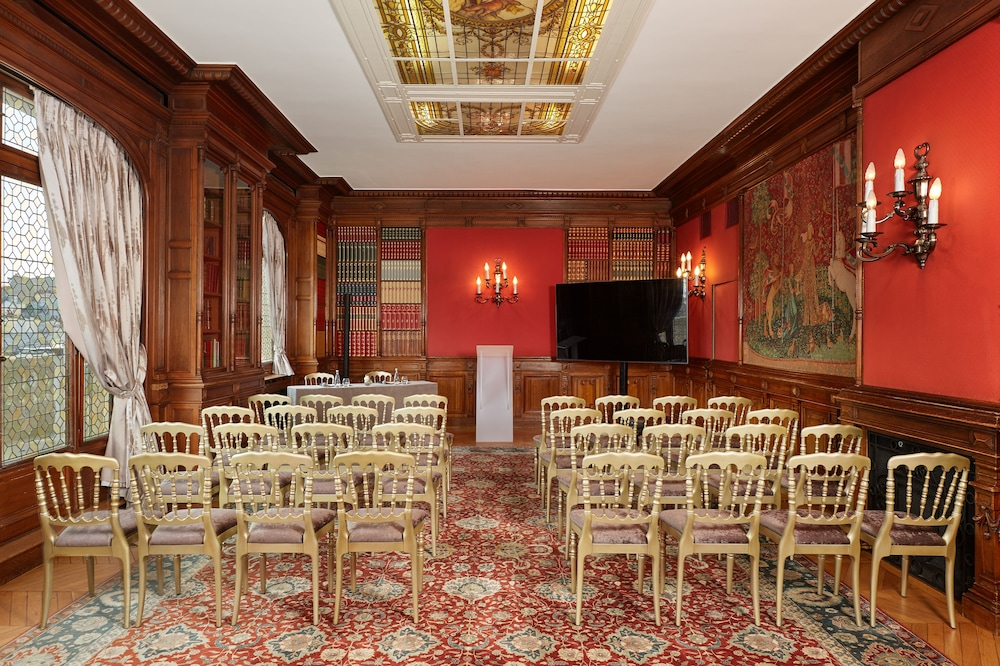 Meeting Facility, Hotel Raphael