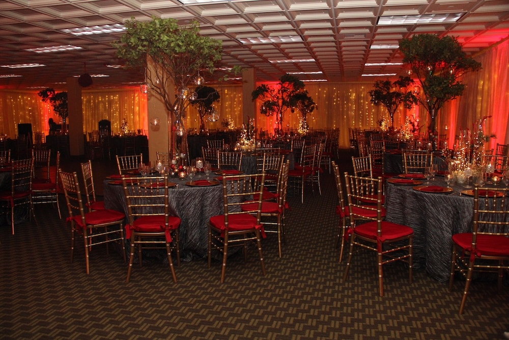 Banquet Hall, Hotel Mission de Oro