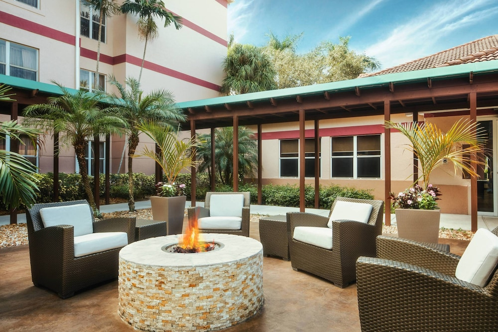 Terrace/Patio, Residence Inn By Marriott Fort Lauderdale Plantation