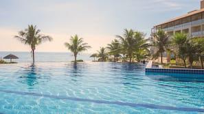3 indoor pools, 7 outdoor pools, pool umbrellas, pool loungers